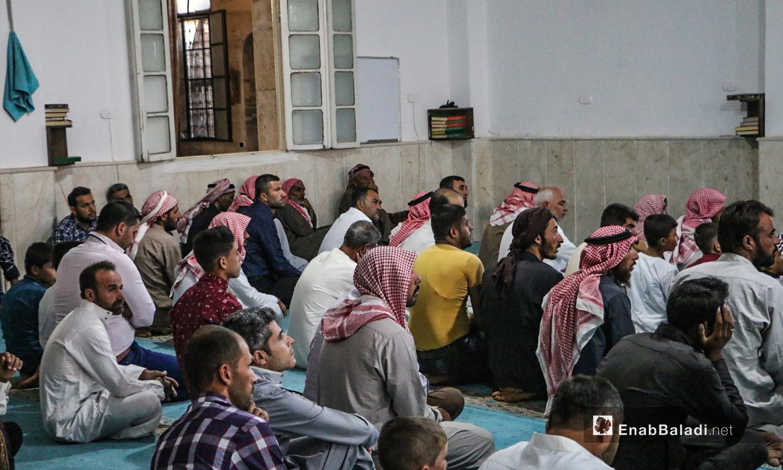 مصلون يحضرون خطبة صلاة عيد الأضحى في بلدة دابق بريف حلب الشمالي  - 31 تموز 2020 (عنب بلدي / عبد السلام مجعان )
