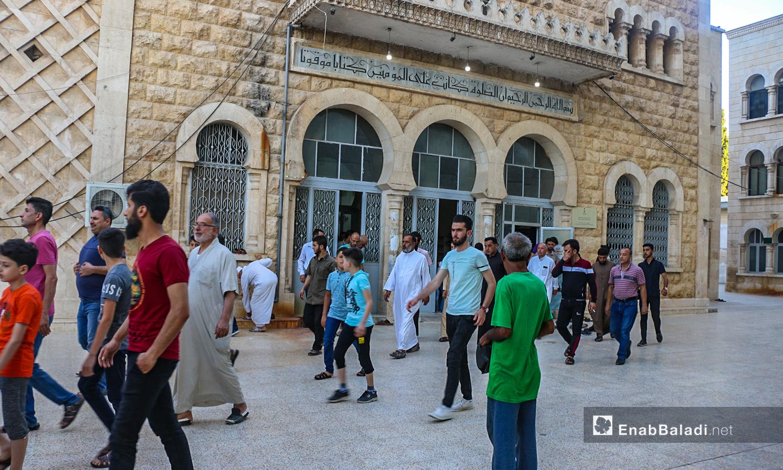 خروج الناس من صلاة عيد الأضحى في بلدة دابق بريف حلب الشمالي  - 31 تموز 2020 (عنب بلدي / عبد السلام مجعان )