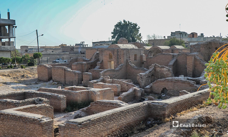 استخدم في بنائه اللبن الطيني والآجر - تموز 2020 (عنب بلدي/ عبد العزيز الصالح)