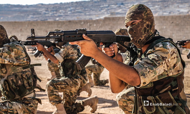 """تخريج دفعة من مقاتلي """"جيش العزة"""" الدورة 31 قوات خاصة في ريف إدلب 19 من تموز 2020(عنب بلدي / أنس الخولي )"""