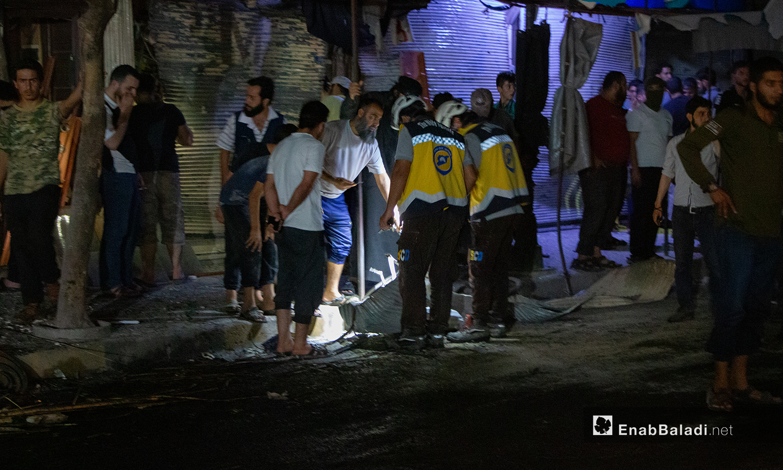 """آثار تفجير عبوة ناسفة في شارع """"الجلاء"""" في مدينة إدلب - 26 تموز 2020 (عنب بلدي/ أنس الخولي)"""