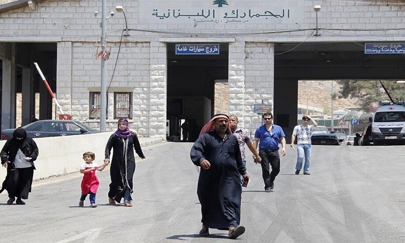 مركز المصنع الحدودي بين سوريا ولبنان (رويترز)