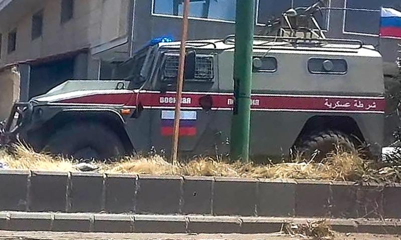 عربة تابعة للشرطة العسكرية الروسية - 6 تمزوز 2020 (عنب بلدي/ ريان الأطرش)