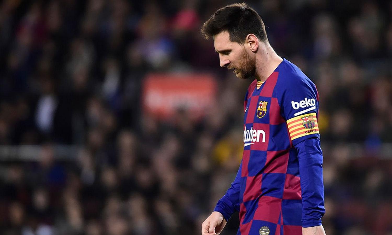 ميسي عقب تلقي برشلونة لهدف في الدوري الإسباني (برشلونة نوتيس)