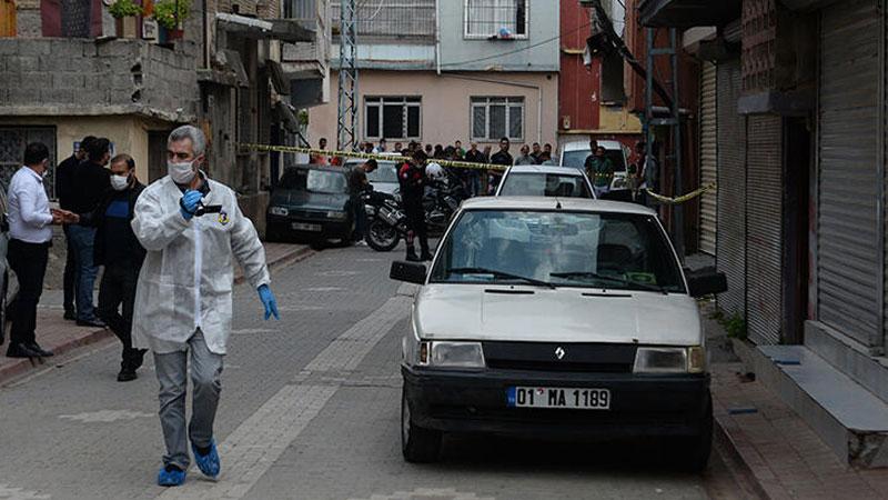 الشرطة والطب الجنائي التركي في الشارع الذي قتل فيه علي - نيسان 2020 (صحيفة ملييت التركية)