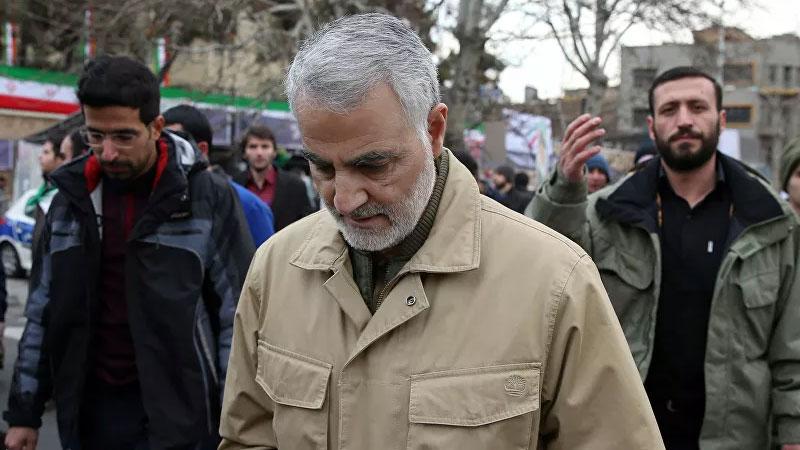قاسم سليماني في شوارع طهران (سبوتنيك الروسية)