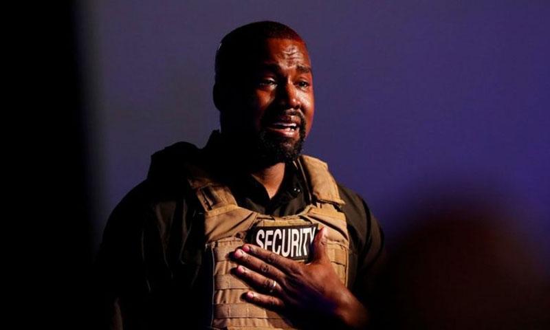 المغني الأمريكي كيني ويست أثناء الحملة الانتخابية 20 من تموز 2020 (رويترز)