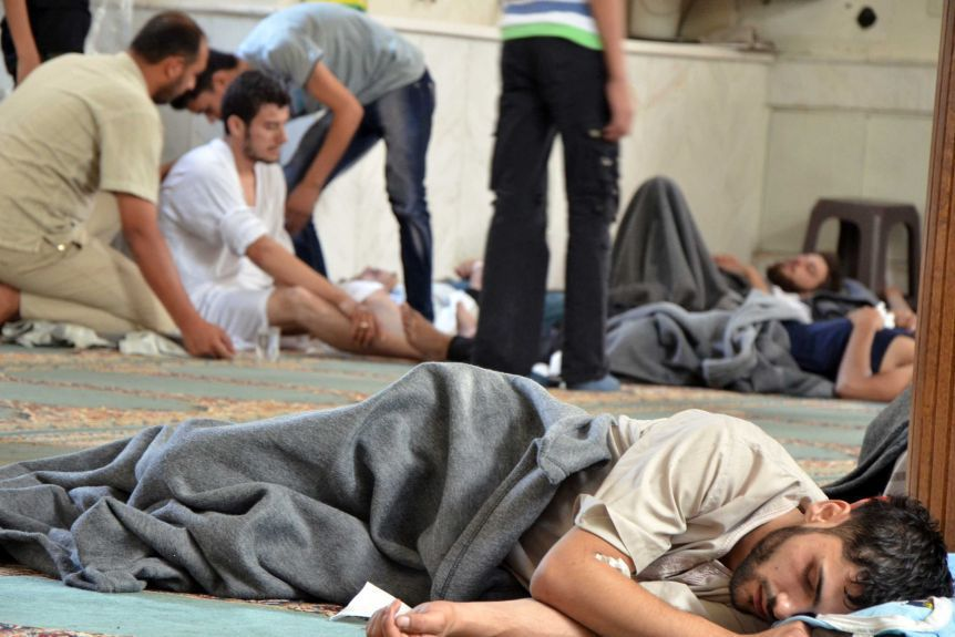 ناج من الهجوم الكيماوي في دوما - آب 2013 (رويترز)