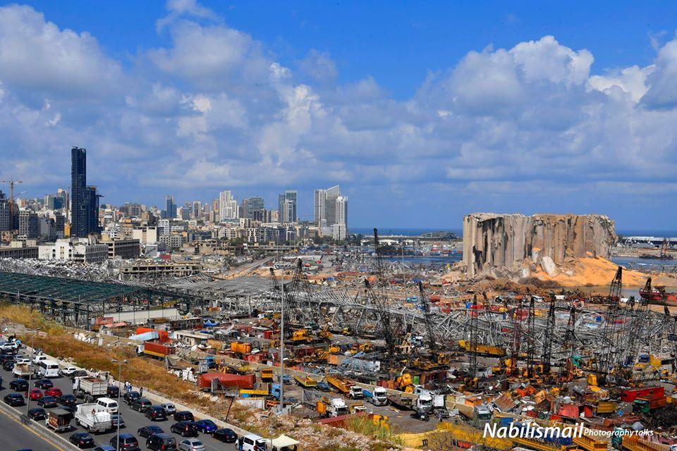 مشهد عام لموقع الانفجار في مرفأ بيروت في اليوم السادس للانفجار الكارثي - 11 من آب (المصور نبيل اسماعيل)