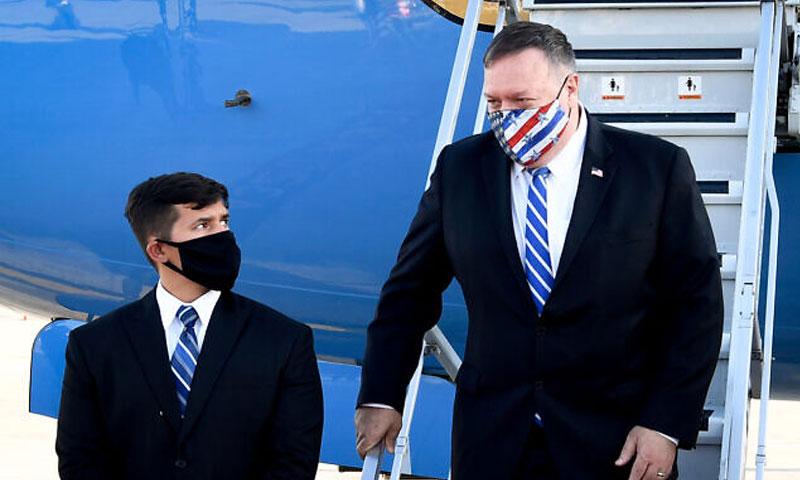 مايك بومبيو في مطار بن غوريون 24 من آب 2020 (السفارة الأمريكية في إسرائيل)