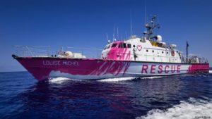"""سفينة إنقاذ المهاجرين"""" لويز ميشيل"""" في البحر المتوسط، 2020، DW."""