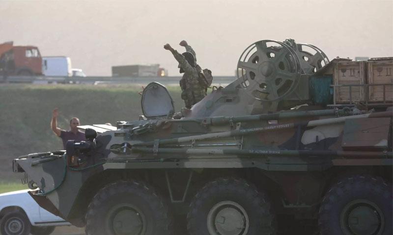 جنود من أذربيجان في العاصمة الأذرية باكو 27 من أيلول 2020 (رويترز)