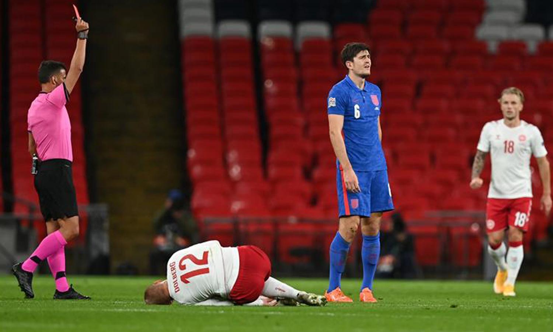 """بطاقتي حمراء للاعبي منتخب إنجلترا """"هاري ماغوير""""و""""رييس غاميس""""-14 تشرين الأول (ShootandGoal Team)"""