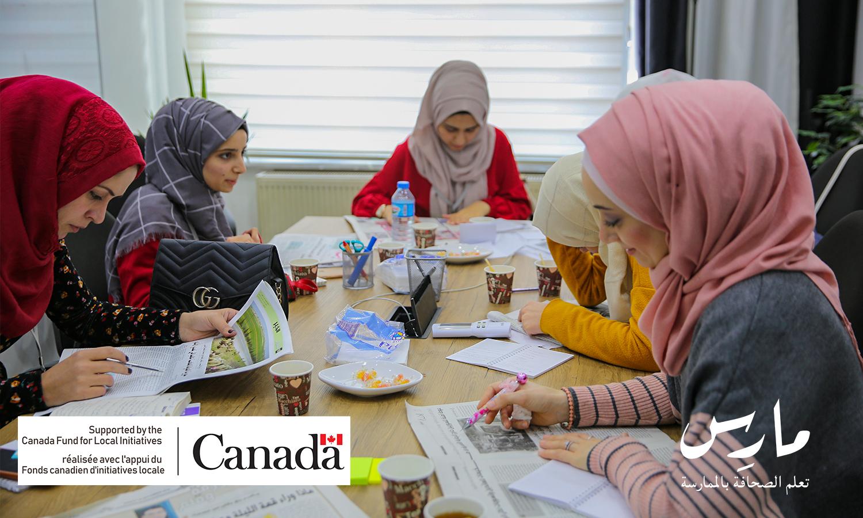 """متدربون في منحة """"مارس 2"""" التدريبية في مكاتب مؤسسة عنب بلدي - 25 تشرين ثاني 2018 (عبد المعين حمص/ عنب بلدي)"""