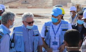 وفد أممي يزور مخيمات قيد الإنشاء في شمال غربي سوريا- 27 تشرين الأول 2020 (عنب بلدي)