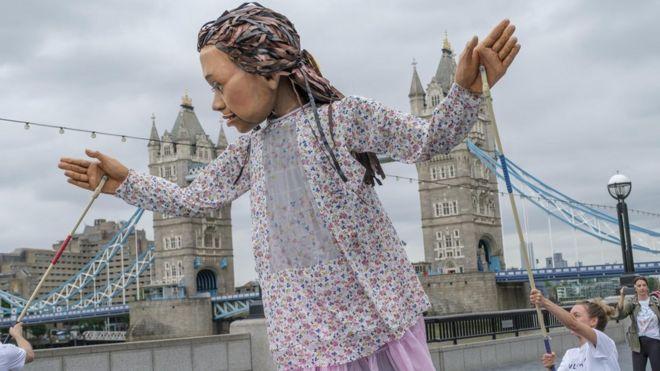 اللعبة أمل التي تمثل ملايين الأطفال النازحين (Nick Wall/PA)