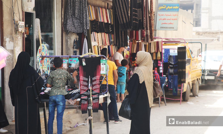 حركة السوق في مدينة الرقة - أيلول 2020 (عنب بلدي/ عبد العزيز الصالح)