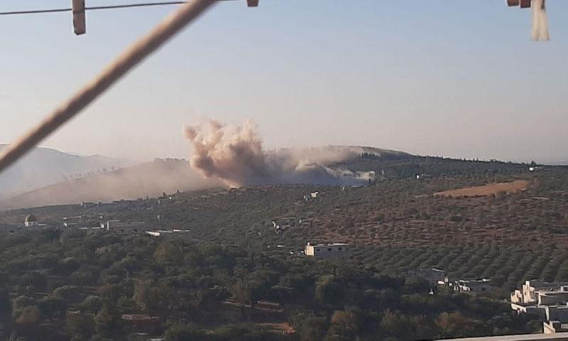 لحظة الانفجار الناتج عن الغارة على جسر الشغور 14 من تشرين الأول 2020 (فيس بوك)