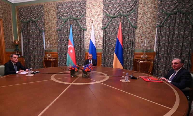 وزراء خارجية روسيا وأرمينيا وأذربيجان في مفاوضات في موسكو 9 من أيلول 2020 (وزارة الخارجية الأرمينية)
