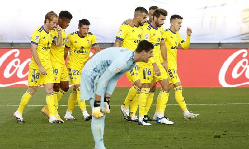 احتفال لاعبي قادش بتسجيل هدف الفوز على ريال مدريد 17 من تشرين الأول 2020 (as)