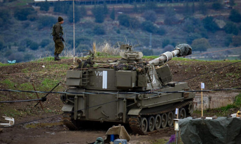قوات الجيش الإسرائيلي بالقرب من الحدود الإسرائيلية السورية، في مرتفعات الجولان، 3 من كانون الثاني 2020. (Basel Awidat/Flash90)