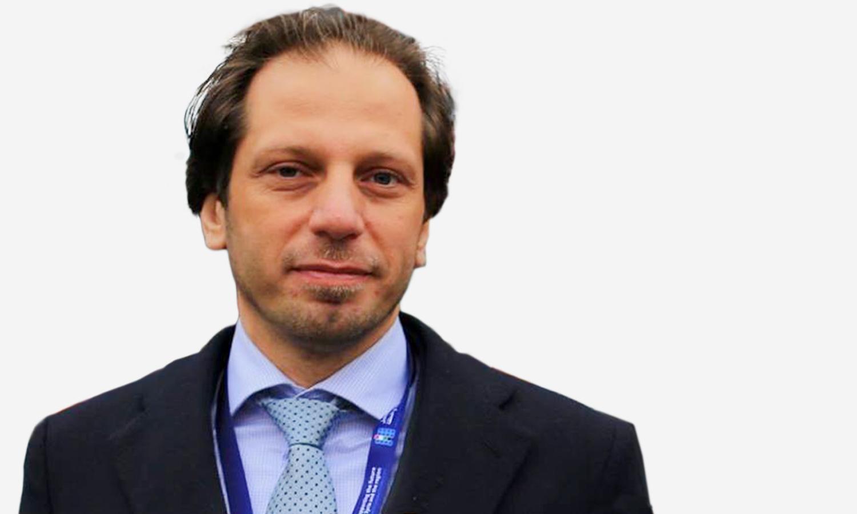مدير الشبكة السورية لحقوق الإنسان فضل عبد الغني (تعديل عنب بلدي)