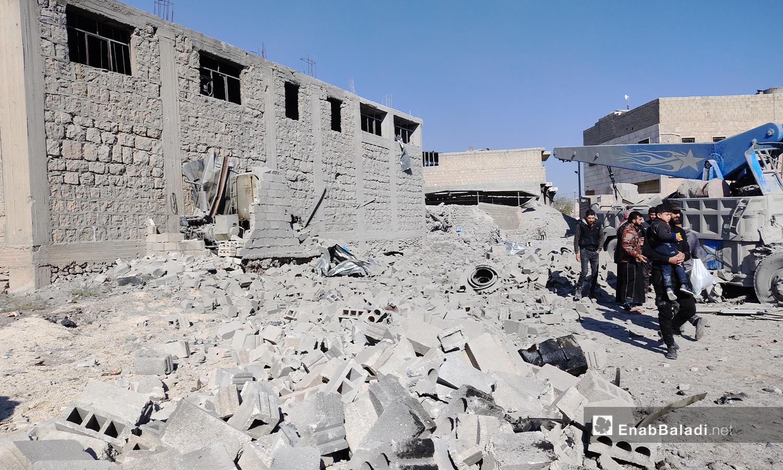 آثار الركام الذي ألحقه انفجار الباب بالمباني المحيطة - 24 تشرين الثاني 2020 (عنب بلدي/ عاصم الملحم)