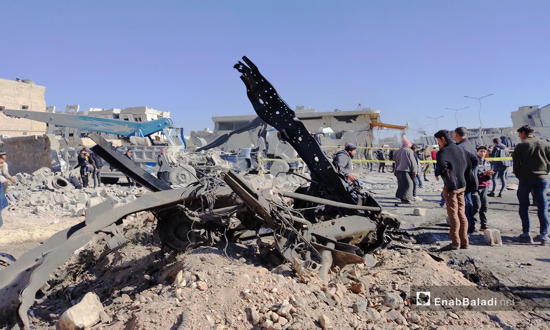 حطام العربة التي انفجرت في مدينة الباب بريف حلب الشمالي - 24 تشرين الثاني 2020 (عنب بلدي/ عاصم الملحم)