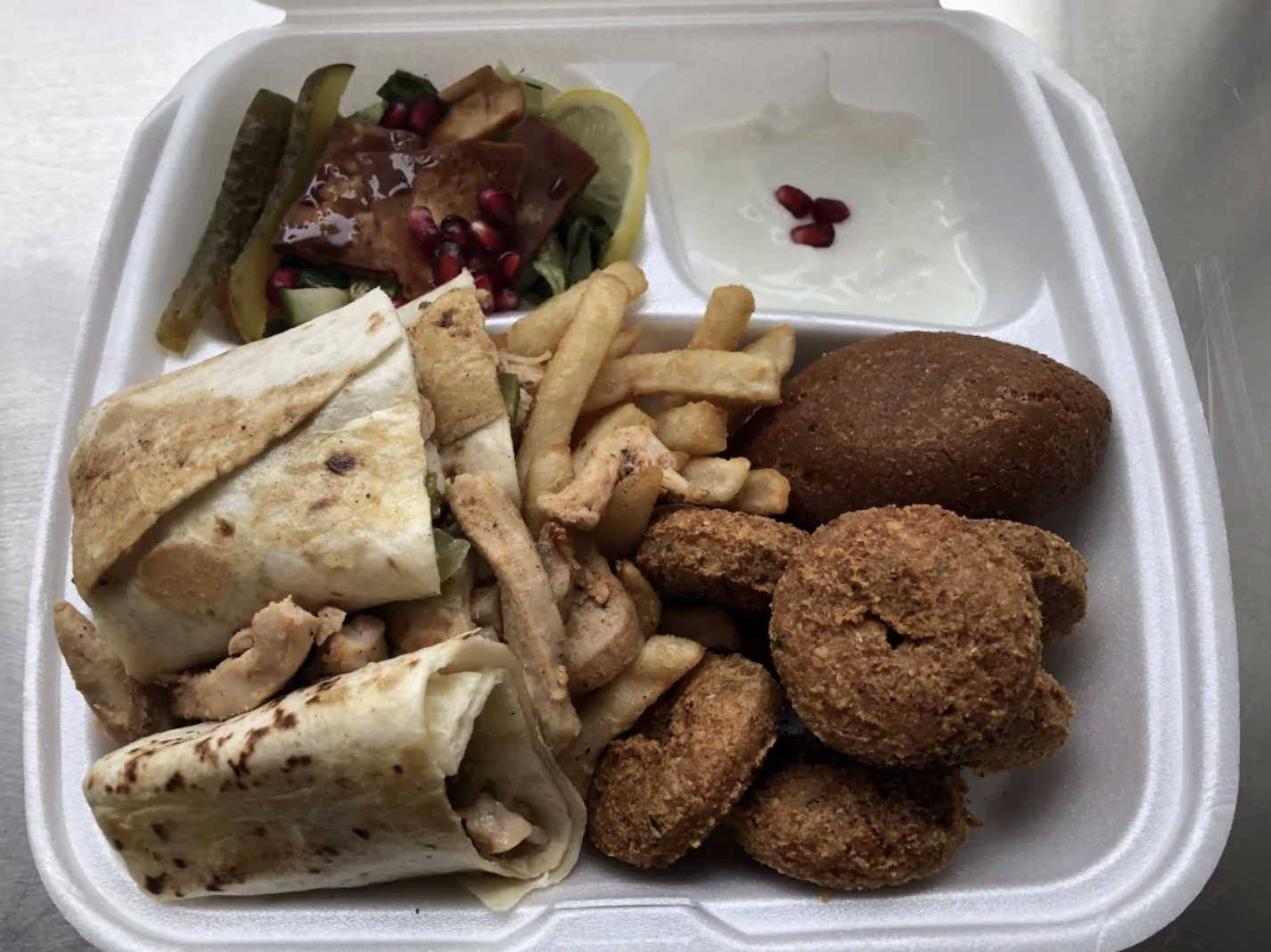 شاورما على الطريقة السورية في مطعم ضنوك (CBC)