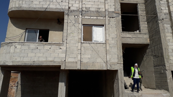 زيارة وفد روسي لضواحي مدينة دمشق للإشراف على إعادة بناء سكني- 20 من تشرين الثاني 2020 (وكالة الأنباء الفدرالية)