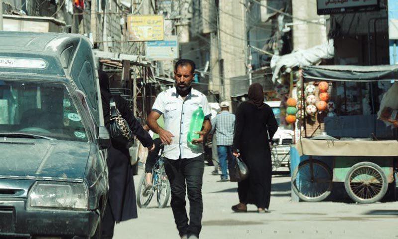 مواطنون في صحنايا بدمشق، أيلول 2020 (عدسة شاب دمشقي)