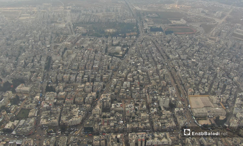 صورة جوية لمدينة إدلب تظهر فيها المباني والشوارع الرئيسية -24 تشرين الأول 2020(عنب بلدي /يوسف غريبي)