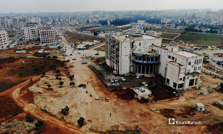صور جوية لكلية الطب البشري والصيدلة في مدينة إدلب -24 تشرين الأول 2020(عنب بلدي /يوسف غريبي)