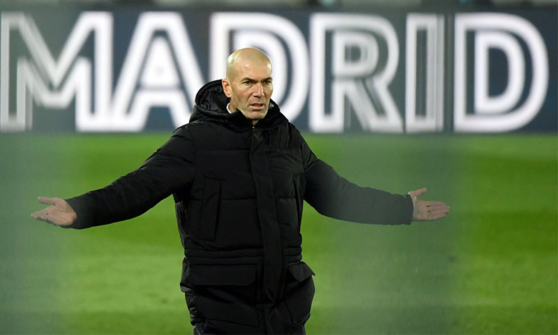 زين الدين زيدان مدرب فريق ريال مدريد