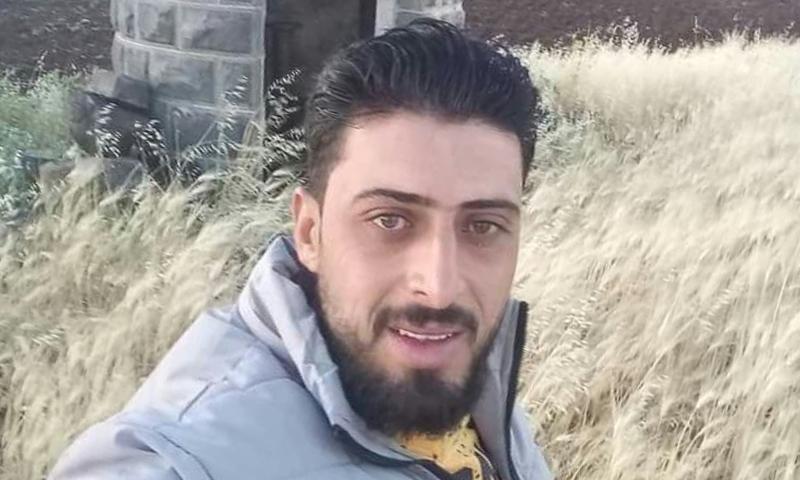 """القيادي السابق في """"جيش الأبابيل"""" محمد جباوي تعرض للاغتيال في مدينة جاسم بريف درعا الشمالي - (متداول - فيسبوك)"""