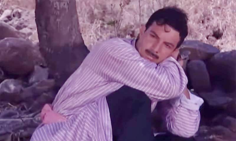 """مشهد لشخصية """"حسن"""" في مسلسل """"التغريبة الفلسطينية""""- (لقطة شاشة من """"يوتيوب"""")"""