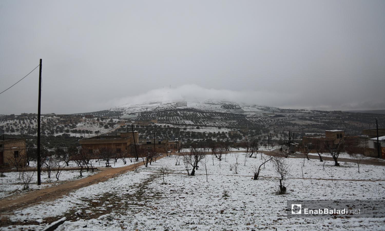 الغيوم تغطي مرتفع جيل الزاوية في جنوب إدلب -17 شباط 2021 (عنب بلدي / يوسف غريبي)