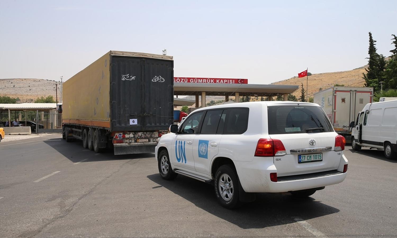 دخول قافلة المساعدات التابعة للأمم المتحدة عبر معبر باب الهوى - 12 تموز 2020 (وكالة الأناضول)
