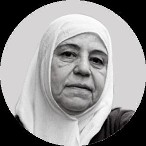 """مديرة """"رابطة عائلات قيصر"""" وإحدى مؤسسيها، مريم الحلاق، 2021، تعديل عنب بلدي."""