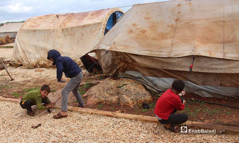 عاصفة مطرية ضربت مخيمات ريف إدلب الشمالي - 24 آذار 2021 (عنب بلدي/إياد عبد الجواد)