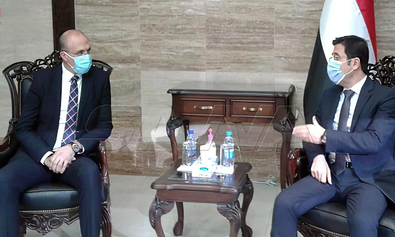 وزير الصحة السوري، حسن الغباش، مع وزير الصحة اللبناني، حمد حسن. 24 من آذار (سانا)