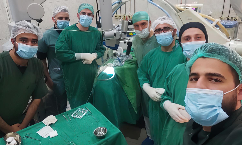 أطباء في مستشفى الرازي الحكومي في حلب