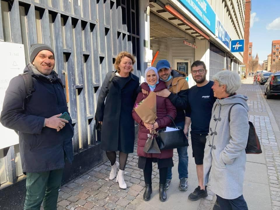 نيفين رحال بعد حصولها على حق اللجوؤ السياسي في الدنمارك 23 من نيسان (عاصم سويد)
