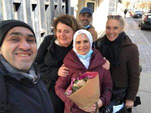 نيفين رحال بعد حصولها على حق اللجوء السياسي في الدنمارك 23 من نيسان (عاصم سويد)