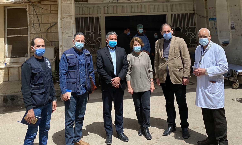 ممثلة منظمة الصحة العالمية في سوريا أكجمال ماجتيموفا خلال زيارتها لمشفى درعا الوطني - 5 من نيسان 2021 (منظمة الصحة العالمية في تويتر)