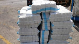 أربعة أطنان من الحشيش مخبأة في شحنة من آلات صنع الكب كيك الصناعية متجهة من لبنان إلى سلوفاكيا. 16 من نيسان (Pocophone)