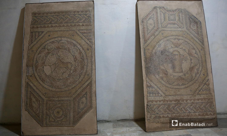 جداريات أثرية معروضة في متحف مدينة إدلب شباط 2021 (عنب بلدي - يوسف غريبي)