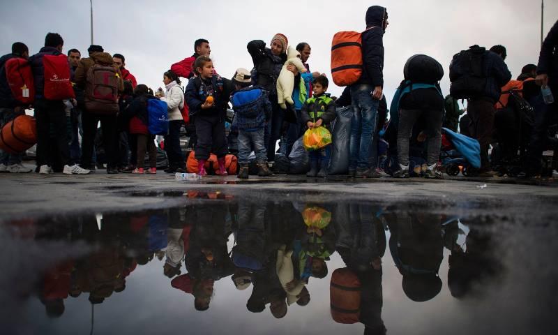 لاجئون في اليونان قطعوا البحر للوصول إلى أوروبا- 2016 (Getty)