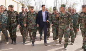 رئيس النظام السوري خلال زيارة قواته في ريف دمشق - 18 من آذار 2018 (سانا)