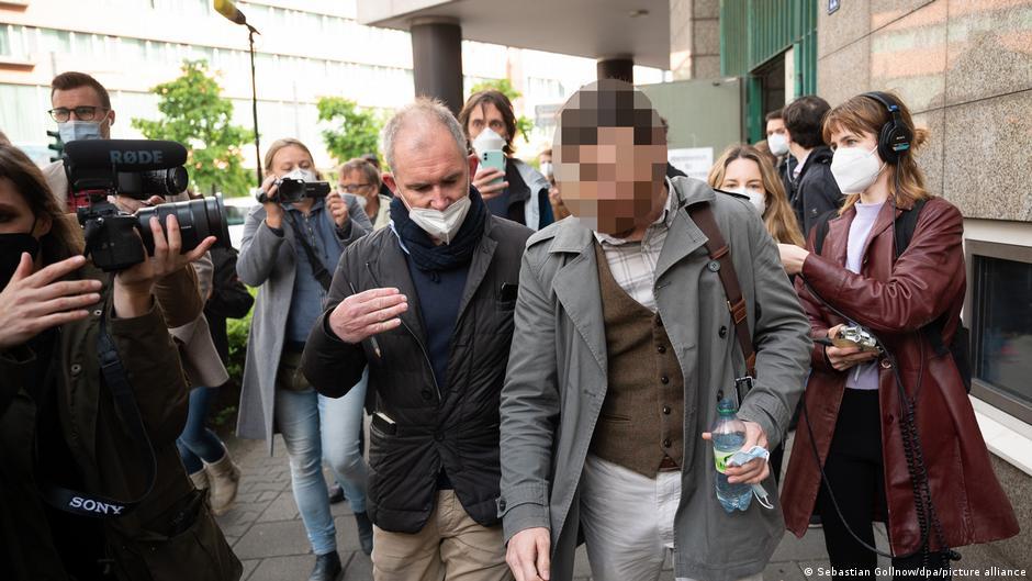 محاكمة ضابط ألماني انتحل صفة لاجئ سوري، 2021، DW.